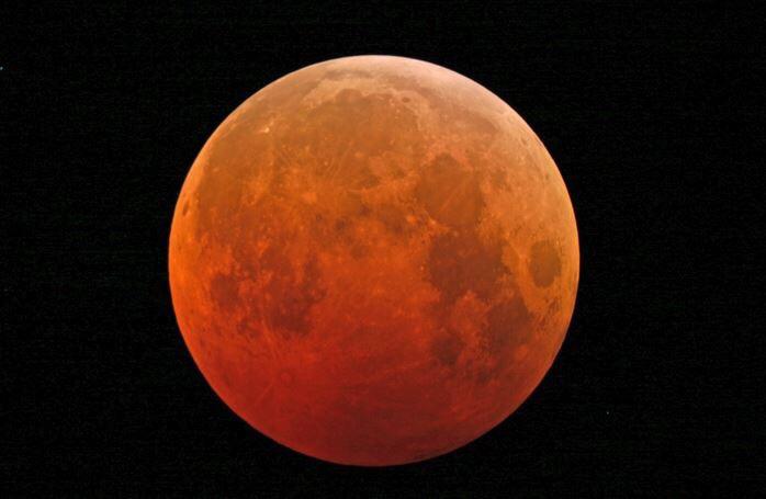 15. ISACCO e GALILEO e la luna rossa.